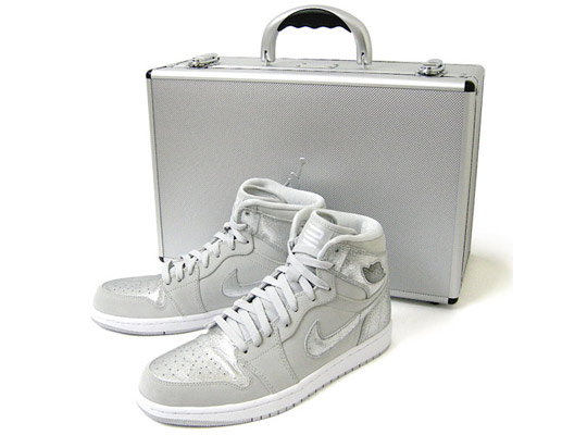 Nike Air Jordan 1 Retro Silver 25th