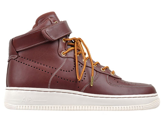 High Tops Air Force Ones. Nike Air Force 1 High QS
