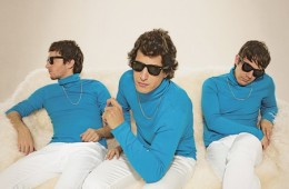 lonely island turtleneck & chain
