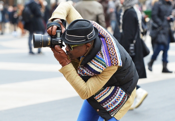 http://sidewalkhustle.com/wp-content/uploads/2012/03/Tommy-Ton-Street-Style-GQ-New-York-Fashion-Week.jpg