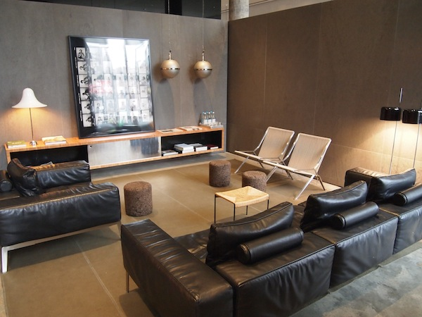 travel h tel americano new york sidewalk hustle. Black Bedroom Furniture Sets. Home Design Ideas