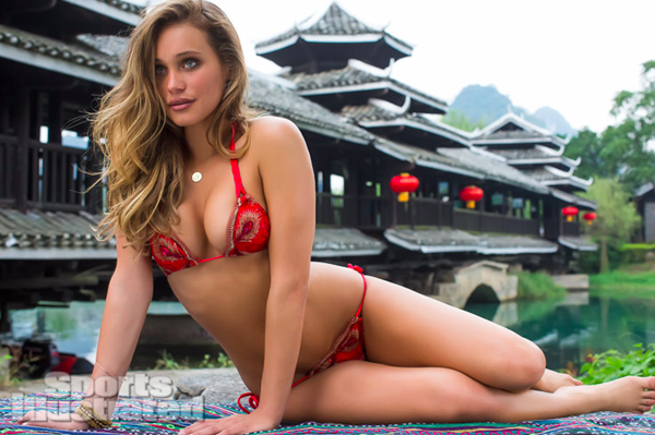 Hannah-Davis-2013-Sports-Illustrated-Swimsuit-Issue.png