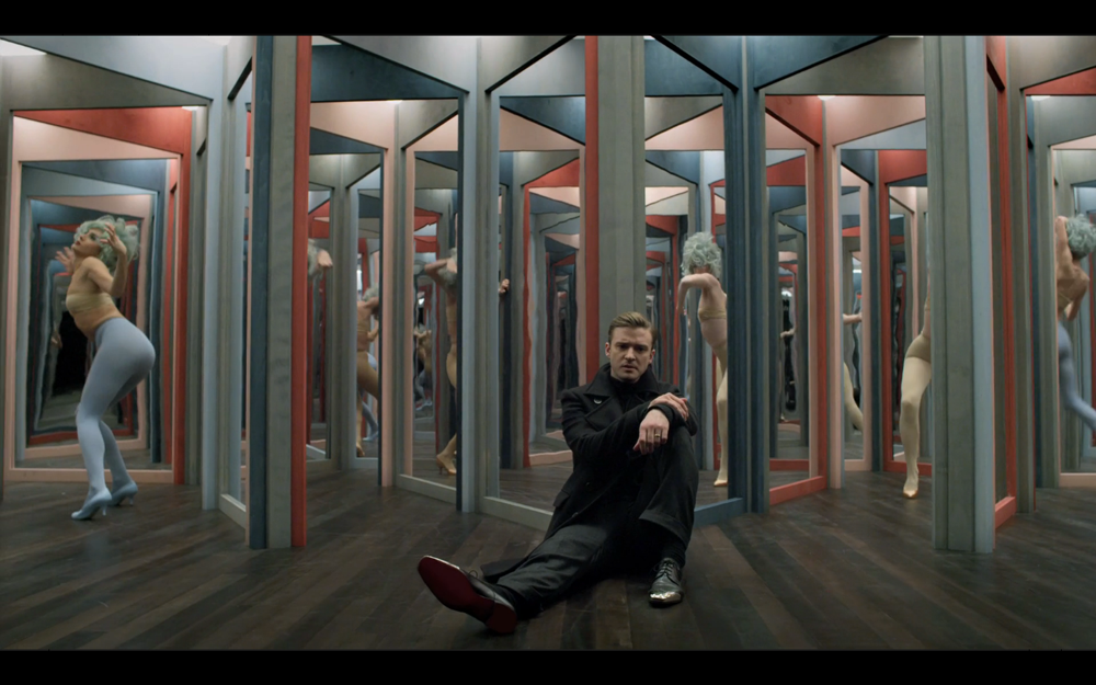 Justin timberlake mirrors video sidewalk hustle for Mirror video