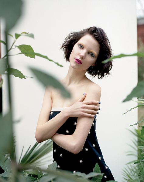 Agnes Nabuurs for Wonderland April May 2013-3