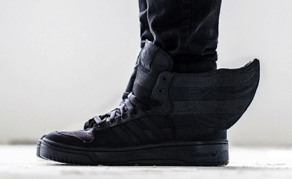 asap-rocky-jeremy-scott-adidas-black-flag-2