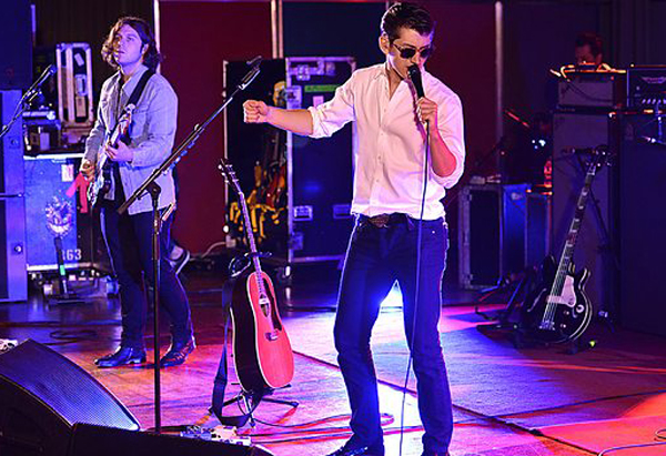 Arctic Monkeys Hold On Were Going Home Drake Cover