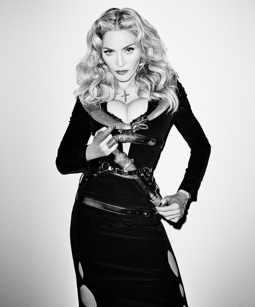Madonna by Terry Richardson Harpers Bazaar - Sword.jpg