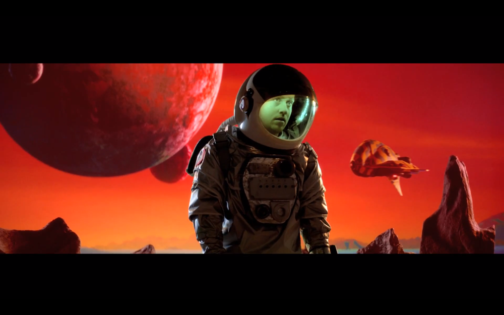 http://sidewalkhustle.com/wp-content/uploads/2013/12/18/Metronomy-Im-Aquarius-Music-Video.png