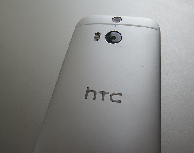 HTC One (M8) back