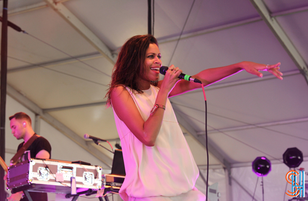 AlunaGeorge Governors Ball 2014