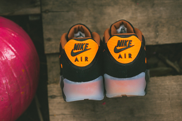 Nike Air Max 90 Ice Halloween