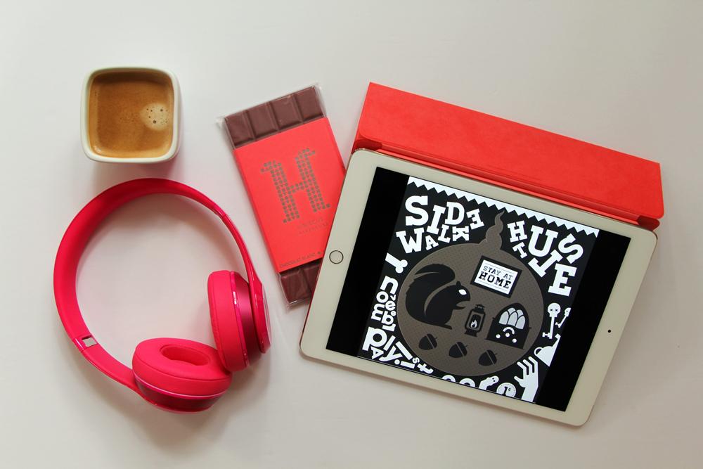 iPad Air 2 Beats Headphones
