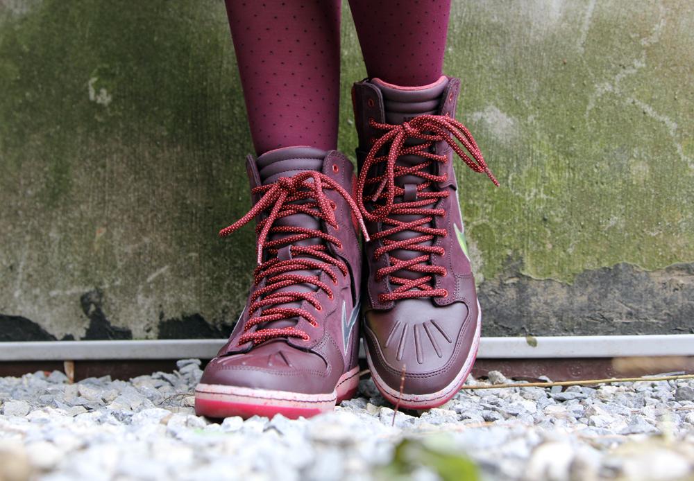 Hawley Dunbar Street Style Sidewalk Hustle 2014 Nike Sneaker Boot-2