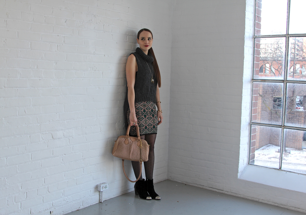 Hawley Dunbar Sidewalk Hustle Style Photo Full Body Smirk