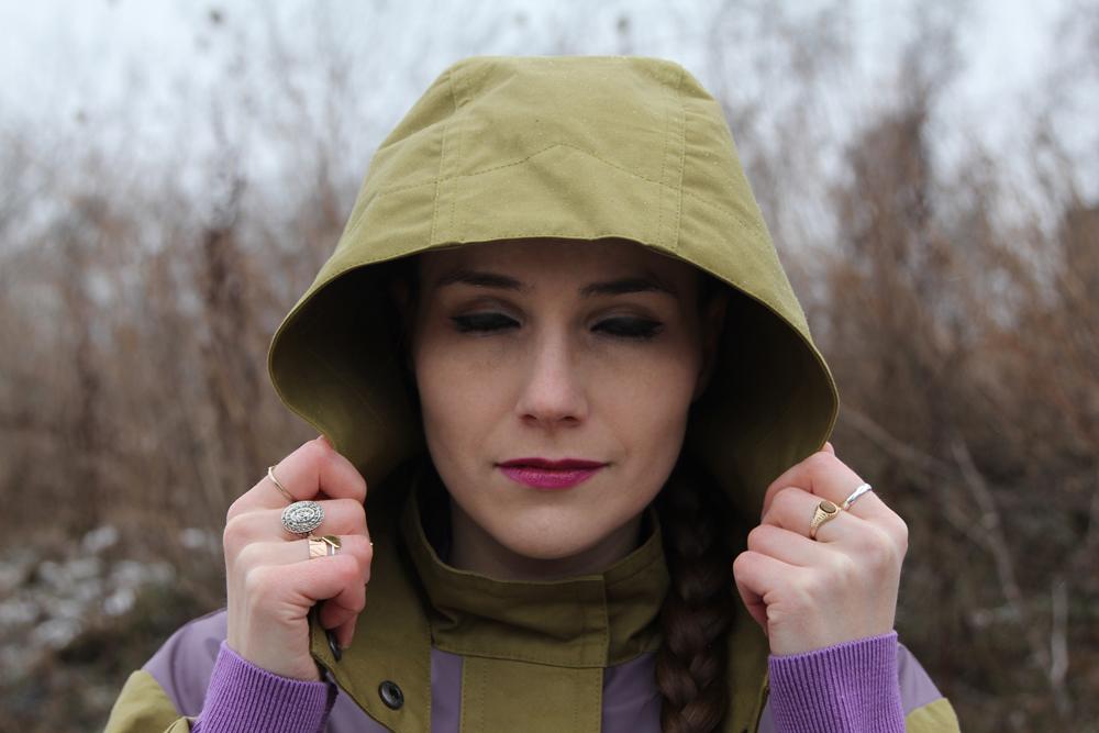 Rainy Winter Street Style Hood Blink