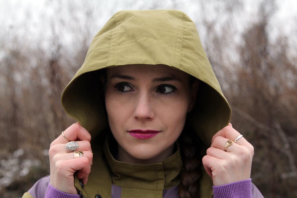 Rainy Winter Street Style Hood Detail