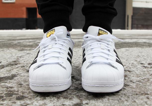 Winter -Schmaltz-adidas close up-Straight on