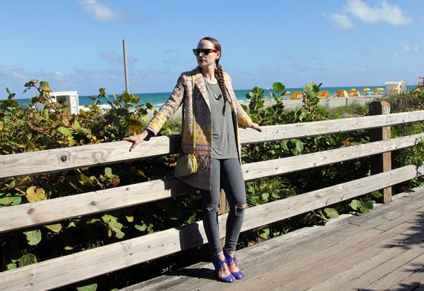 Miami Beach Style Sidewalk Hustle-5