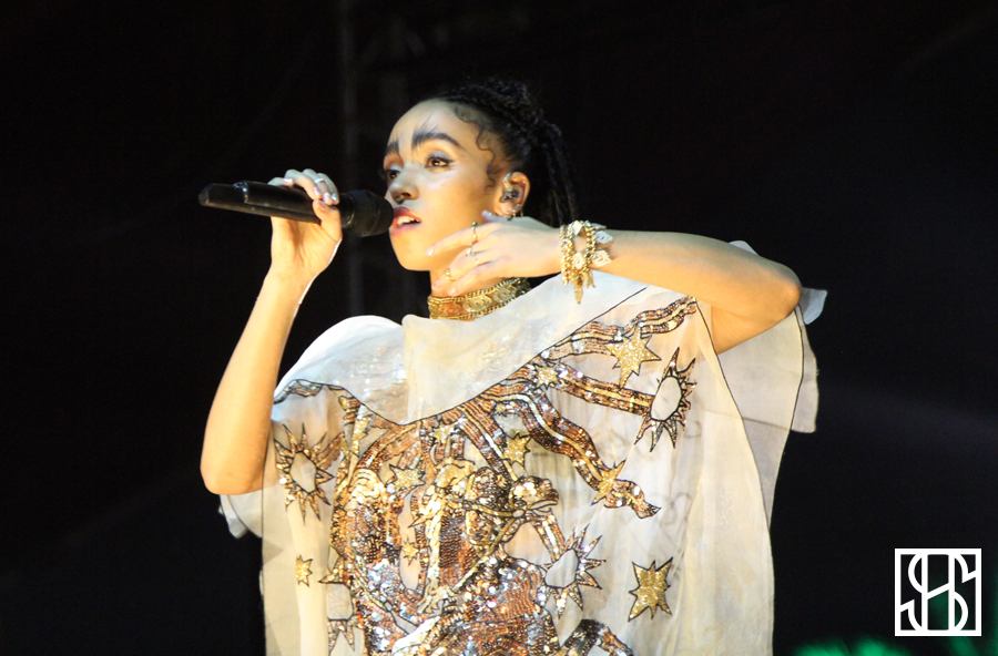 FKA Twigs Coachella 2015-4