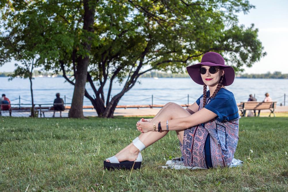 Festival Fashion 2015 Sitting