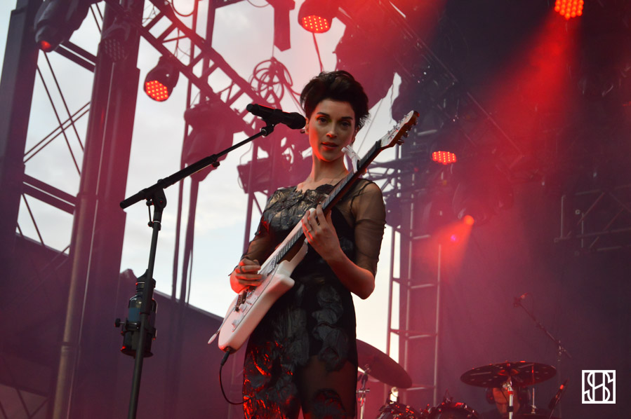 st-vincent-gov-ball-nyc-2015-1