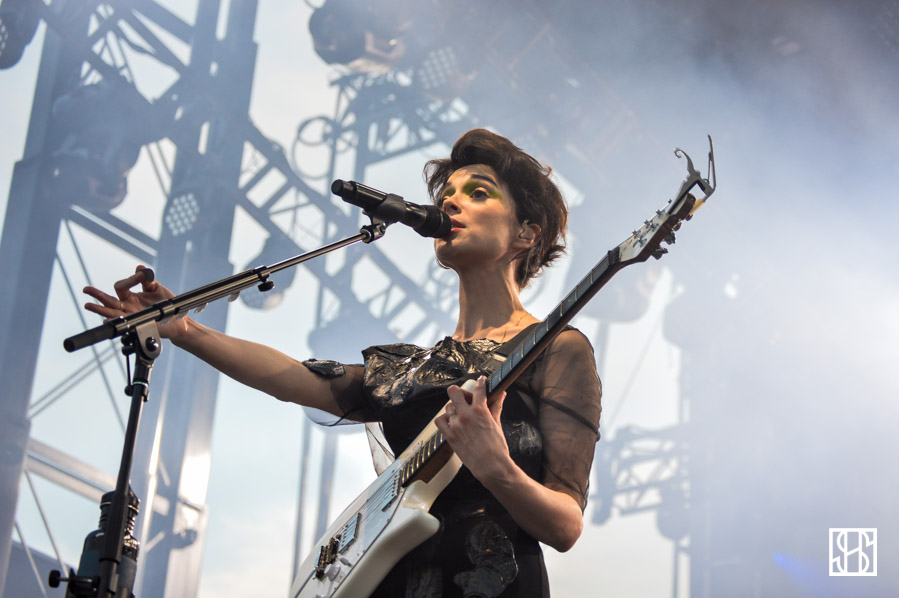 st-vincent-gov-ball-nyc-2015-10