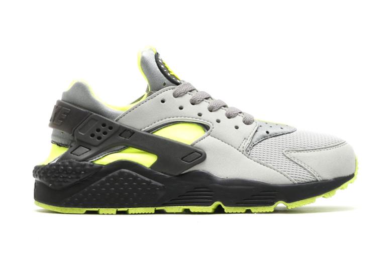 Nike Air Huarache Dust Volt-Black