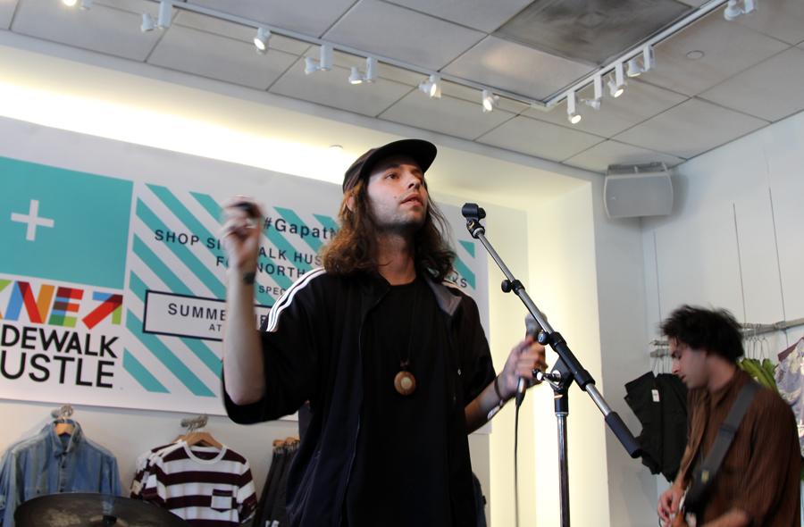 Gap At NXNE Sidewalk Hustle 2015 Summer Heart-3