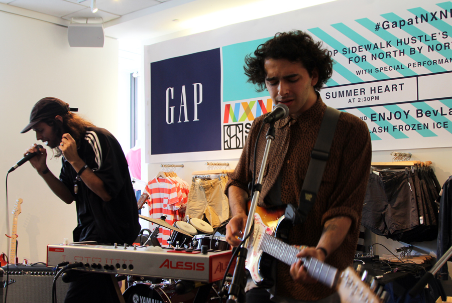 Gap At NXNE Sidewalk Hustle 2015 Summer Heart-6