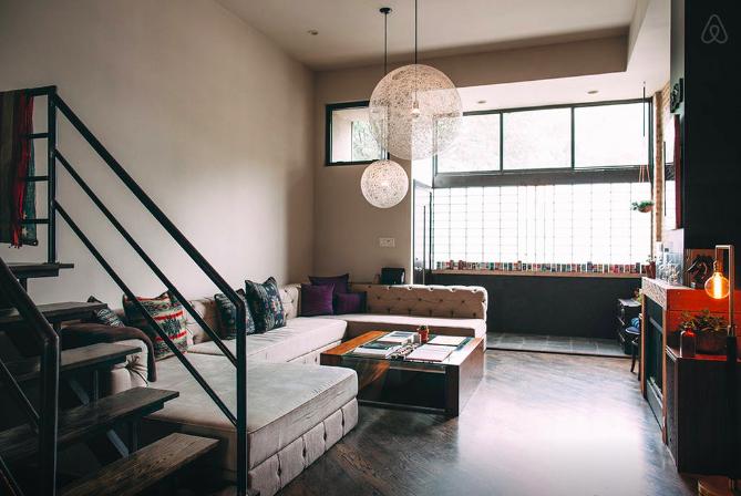 Airbnb Artist Loft Chicago