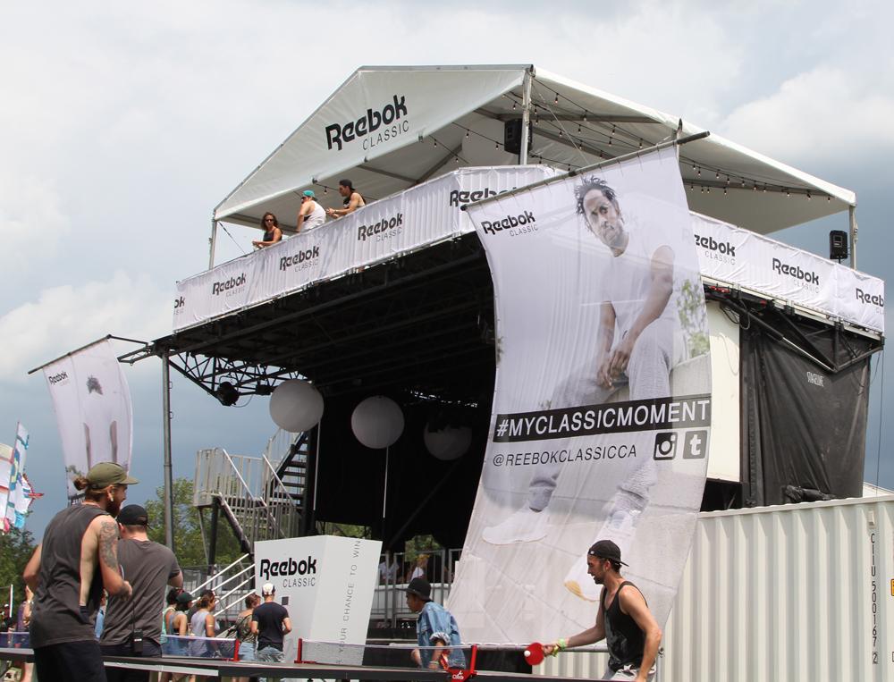 Wrap Up Reebok Classic Canada x WayHome Lounge