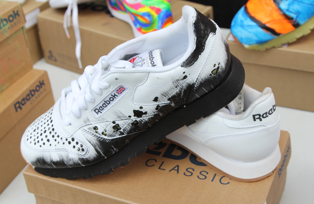Wrap Up Reebok Classic Canada x WayHome painted shoes 2