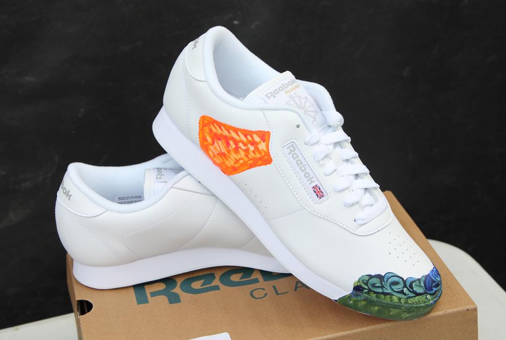 Wrap Up Reebok Classic Canada x WayHome shoes 3