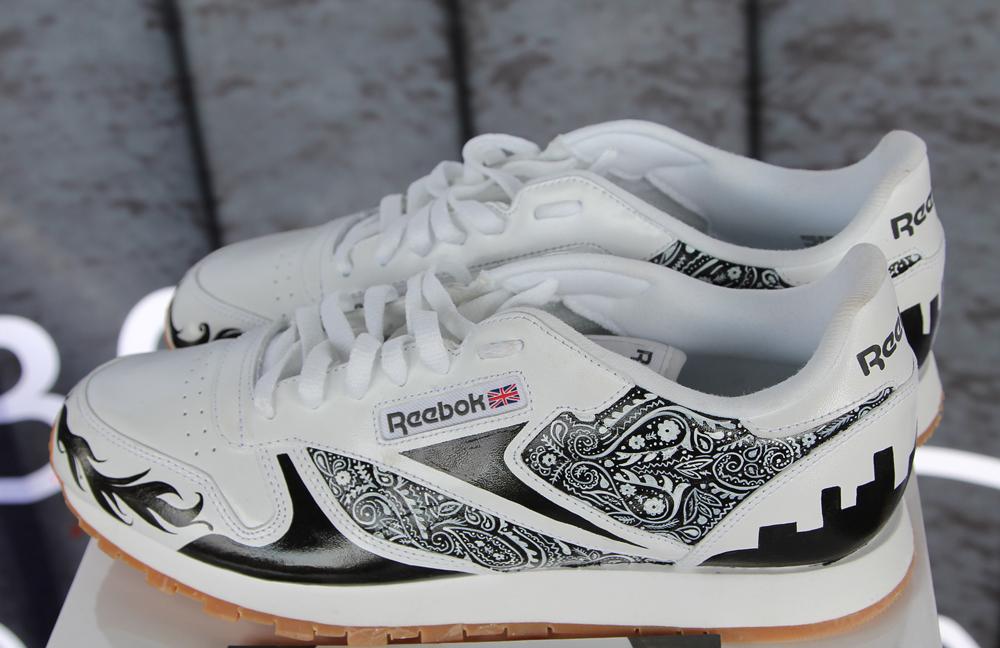 Wrap Up Reebok Classic Canada x WayHome shoes 7