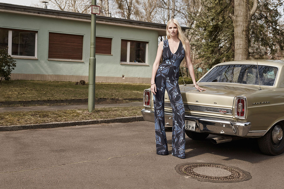 Lara Stone for H&M Fall Winter 2015 2016-5
