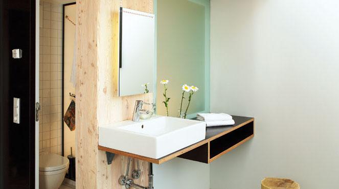 Michelberger Hotel Berlin Room-2