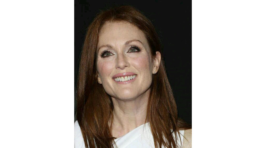 Chocolate Brown Smokey Eye Julianne Moore