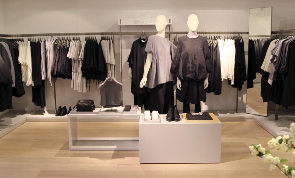 COS-Toronto-Womens-Display-7