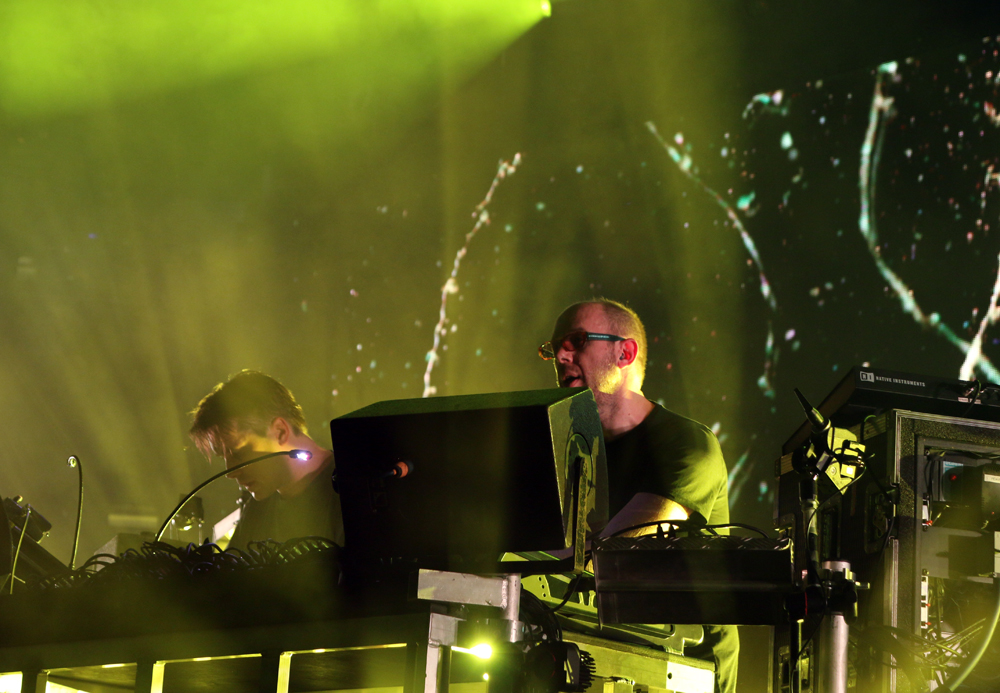 Chemical-Brother-at-Apple-Music-Festival-8
