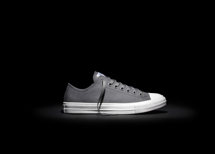 Converse_Chuck_Taylor_All_Star_II_-_Grey_Low_top_detail