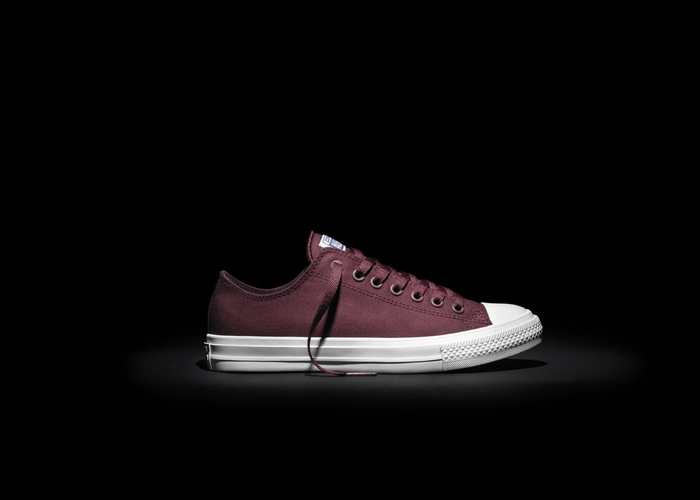 Converse_Chuck_Taylor_All_Star_II_-_Maroon_Low_top_detail