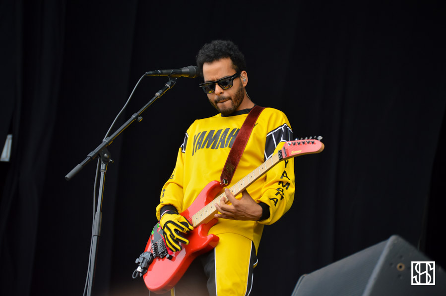 twin-shadow-landmark-fest-dc-2015-3
