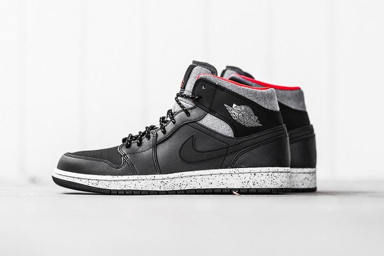 Air Jordan 1 Mid In Black Dark Grey Infrared 23-5