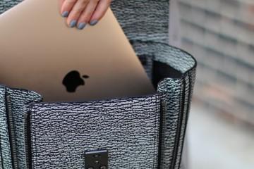 Macbook-Travel-Piece