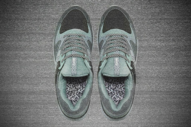 84a5e5ae0e26 END. x Saucony  WHITE NOISE  Grid 9000-2