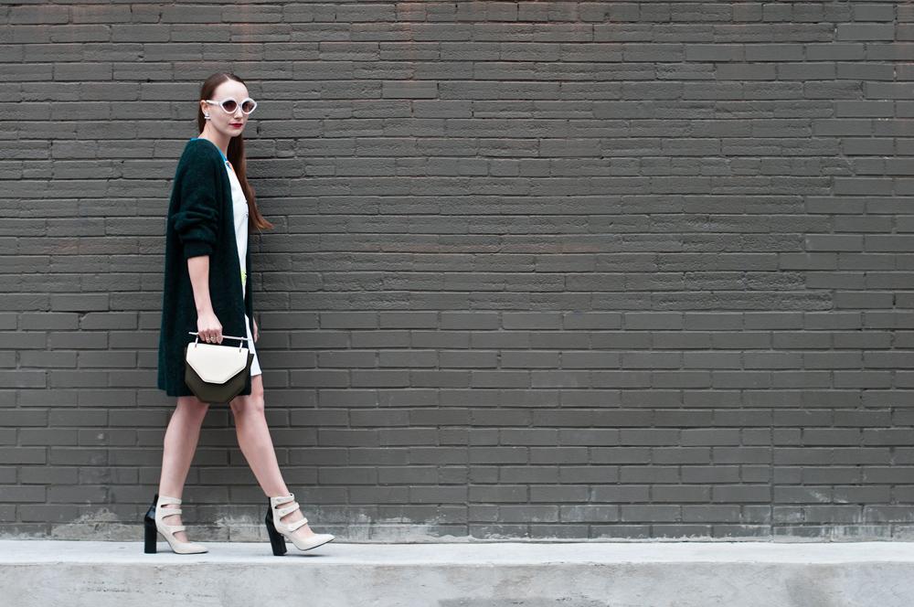 Seventies Street Style Full Walk