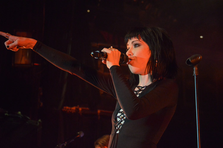 carly-rae-jepsen-irving-plaza-nyc-12