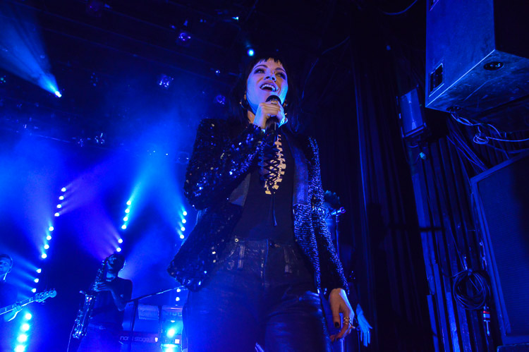 carly-rae-jepsen-irving-plaza-nyc-6
