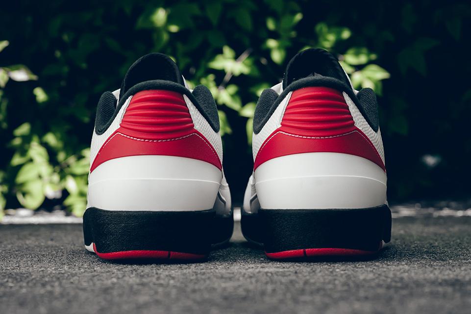 Air Jordan 2 Retro Chicago 5