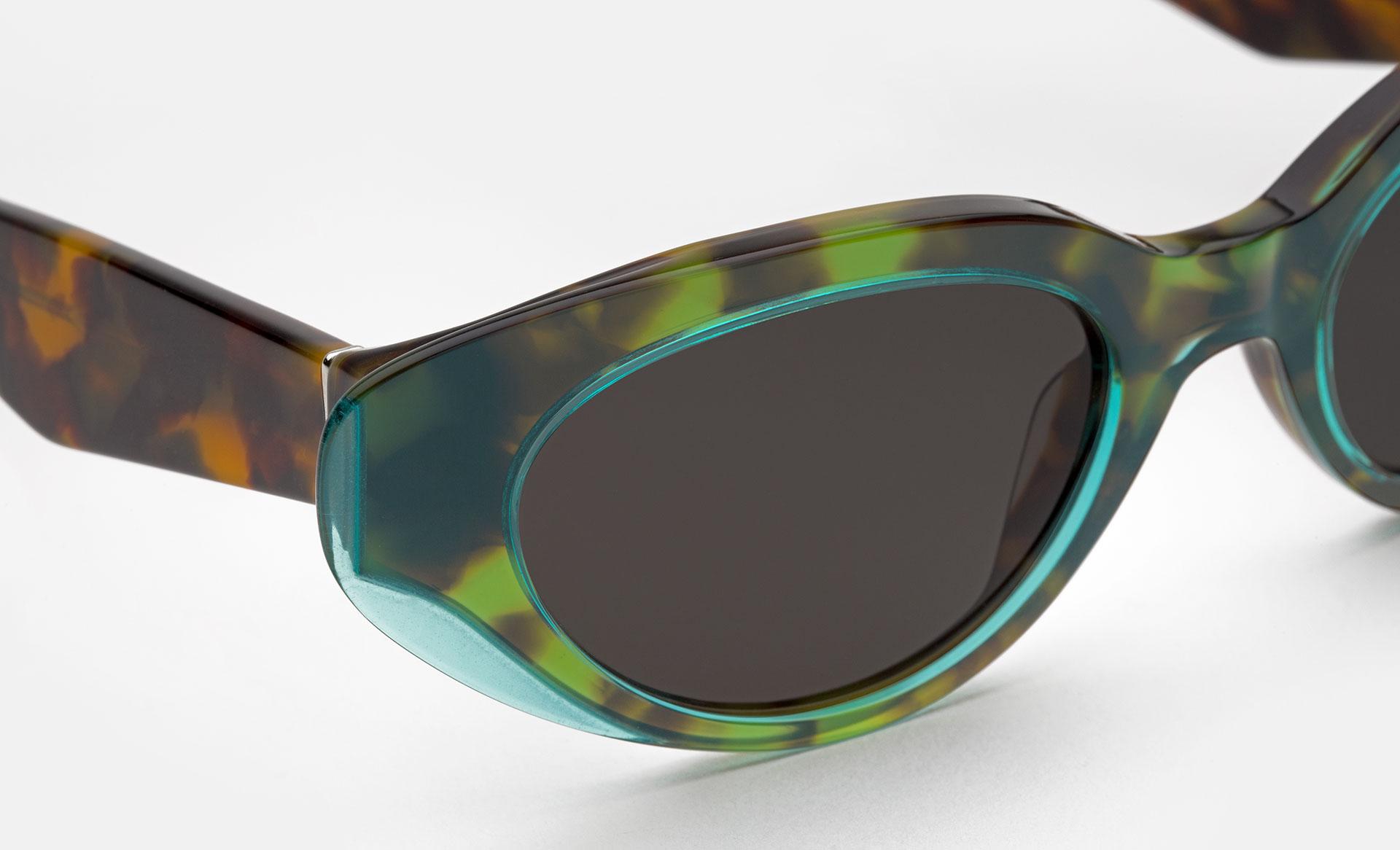 Ragazza Wet Turquoise Acetate Close Up